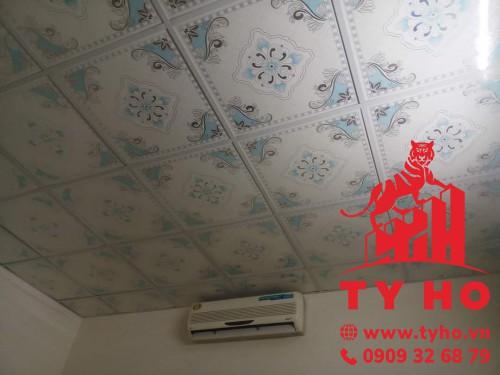 Trần nhựa PVC hoạ tiết hoa văn
