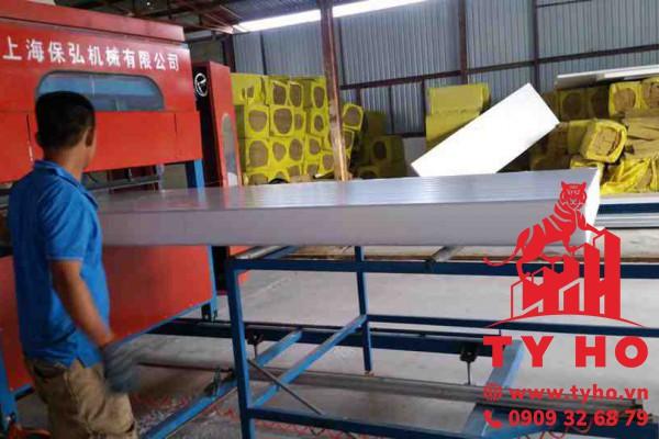 Tấm Panel EPS 3 lớp (tôn + EPS + tôn) – dày 100mm
