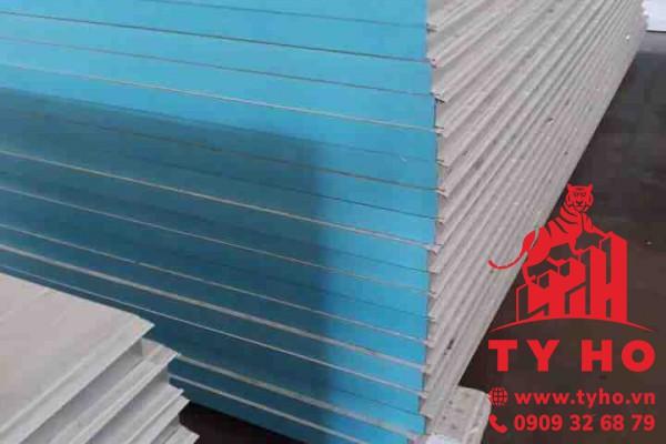 Tấm Panel XPS 3 lớp (tôn + XPS + tôn) – dày 75mm